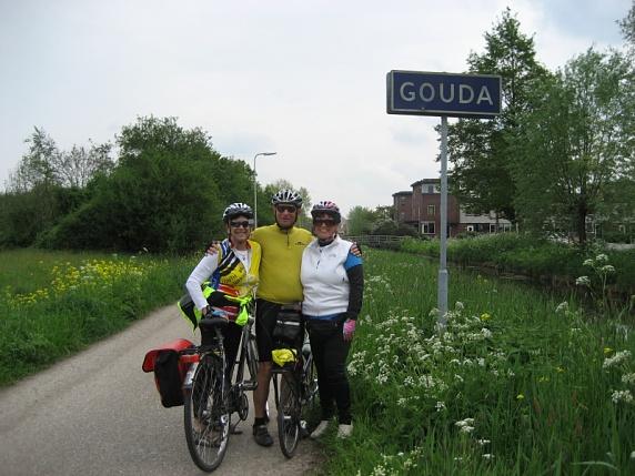 (L-R) Judy, Roger, Janet, Gouda Holland  4-29-09
