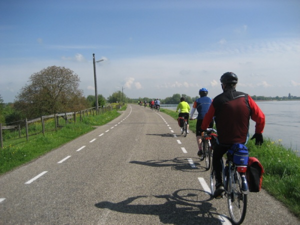 Our group cycling to Gouda, 4-29-09