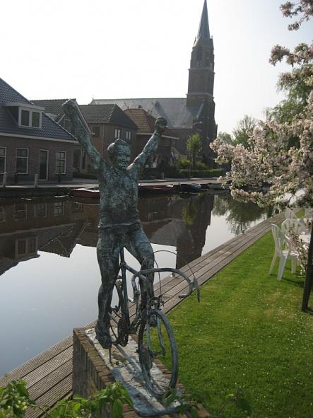 Cyclist Statue 4-30-09